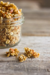Homemade-Coconut-Oil-Honey-Almond-Granola-4